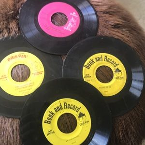 Peter Pan Vintage 45s RPM  Records 2 Sided